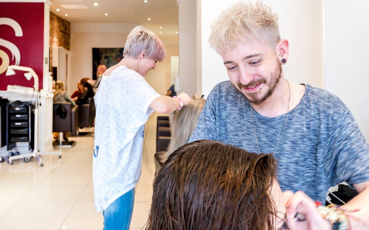 Renaissance Hair Beauty Leeds Salon In Trinity Treatwell