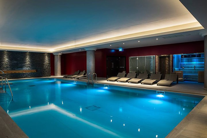 Santai spa resorts world birmingham at genting hotel - Hotels with swimming pools in birmingham ...