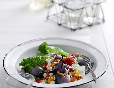 Roasted red onion and white bean salad