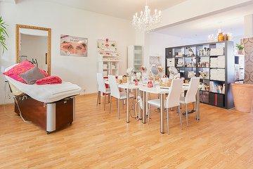 wellness massagen wohltat massagestudio in ohlsdorf hamburg treatwell. Black Bedroom Furniture Sets. Home Design Ideas