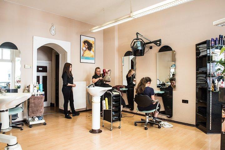 salon top line friseur in neuk lln berlin treatwell. Black Bedroom Furniture Sets. Home Design Ideas