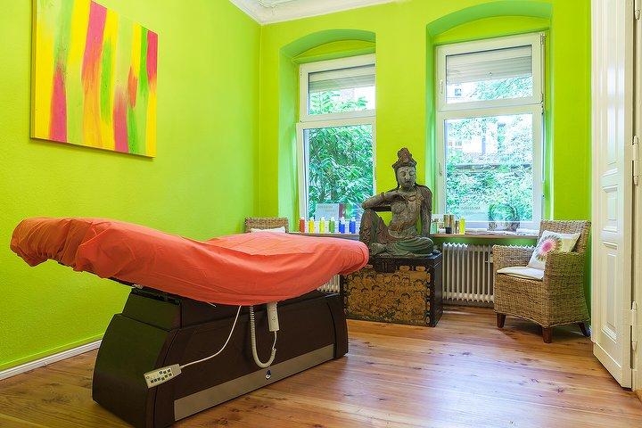 straff und sch n kosmetikstudio in wilmersdorf berlin. Black Bedroom Furniture Sets. Home Design Ideas