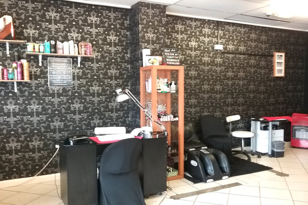 Caroline\'s Hair, Nails & Beauty Salon   Hair Salon in Queslett, West ...