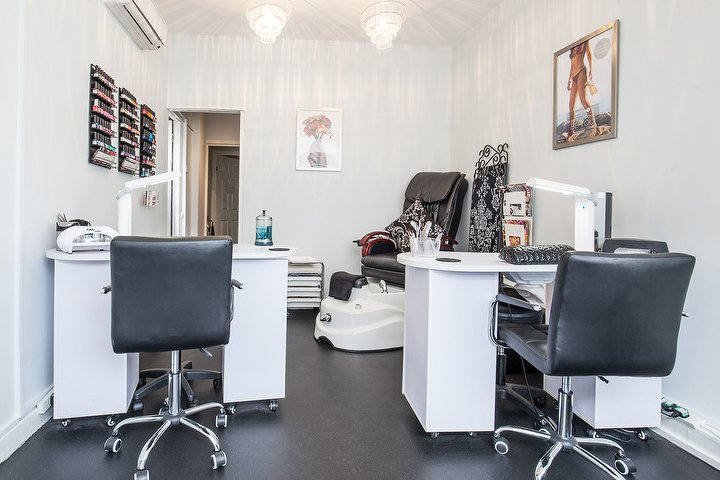 Absolute beauty ewell beauty salon in ewell surrey for Absolute beauty salon