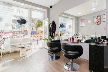 wimpernverl ngerung beate jahn kosmetikstudio in friedrichshain berlin treatwell. Black Bedroom Furniture Sets. Home Design Ideas