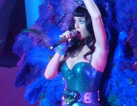 Katy Perry designs Eylure false lash collection