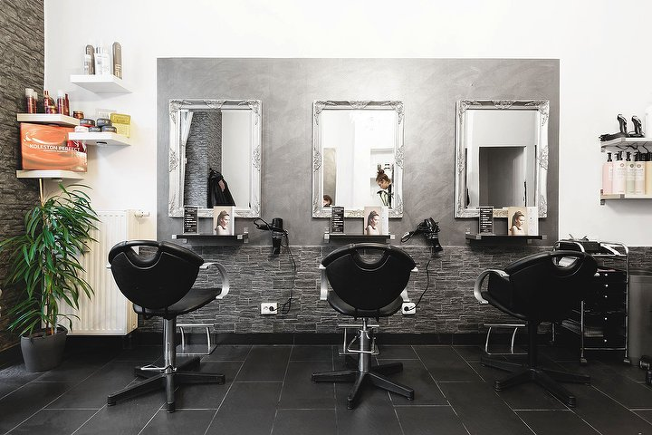 salon hairlich gleditschstra e friseur in sch neberg berlin treatwell. Black Bedroom Furniture Sets. Home Design Ideas