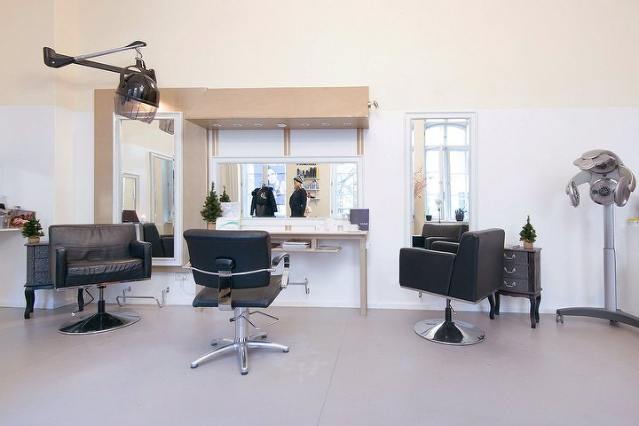 der hofsalon coiffeur beauty im kunsthof friseur in mitte berlin treatwell. Black Bedroom Furniture Sets. Home Design Ideas