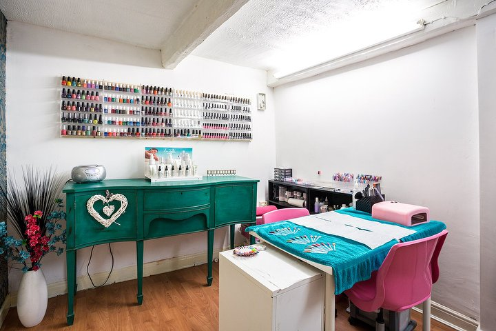 Selina 39 s hair and beauty salon beauty salon in for Beauty salons in manchester
