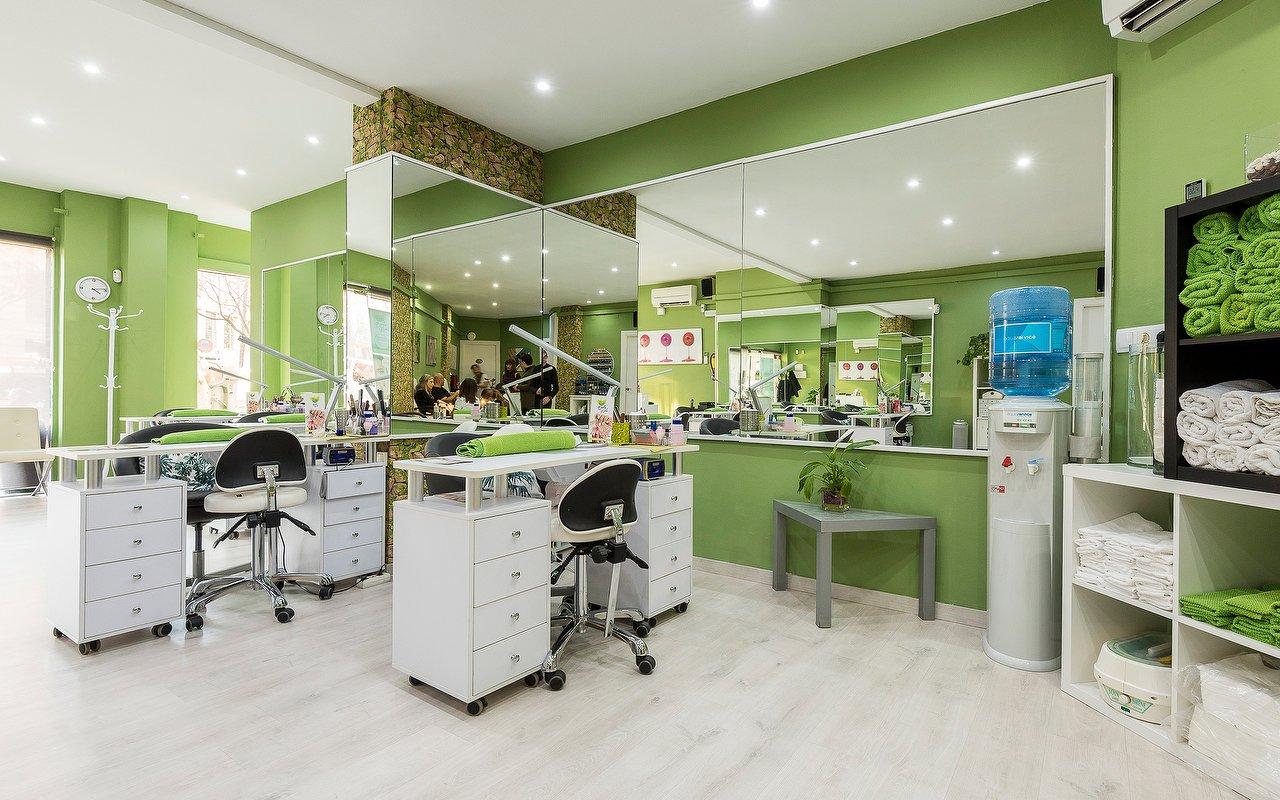 Fantástico Salón De Uñas Ideas De Diseño De Interiores Friso - Ideas ...