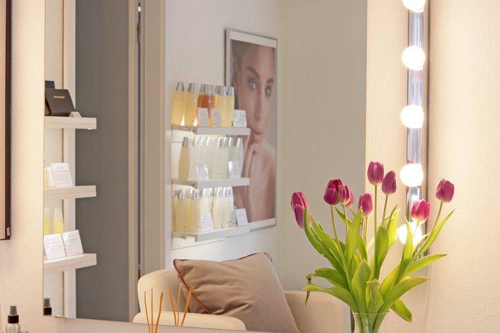 vivolla institut f r fachkosmetik kosmetikstudio in ottensen hamburg treatwell. Black Bedroom Furniture Sets. Home Design Ideas