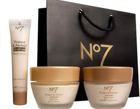 Classy, Fabulous & Well-Preserved – A Review of Boots No 7