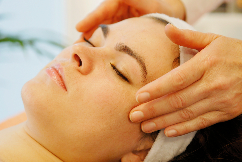 Clarins Pamper Facial Massage