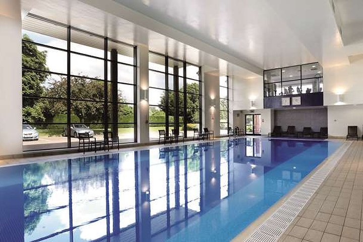 The spa at the macdonald alveston manor hotel spa - Hotels with swimming pools in birmingham ...