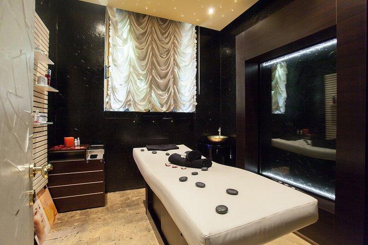 Montenero 8 beauty luxury spa salone di bellezza a for Monte alloro affitti di cabina