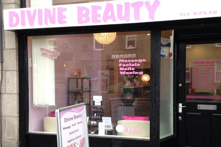 Divine beauty aberdeen nail salon in aberdeen treatwell for Aberdeen tanning salon