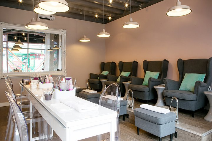 Nail 39 d it clapham junction nail salon in clapham - Nail salons in london ...
