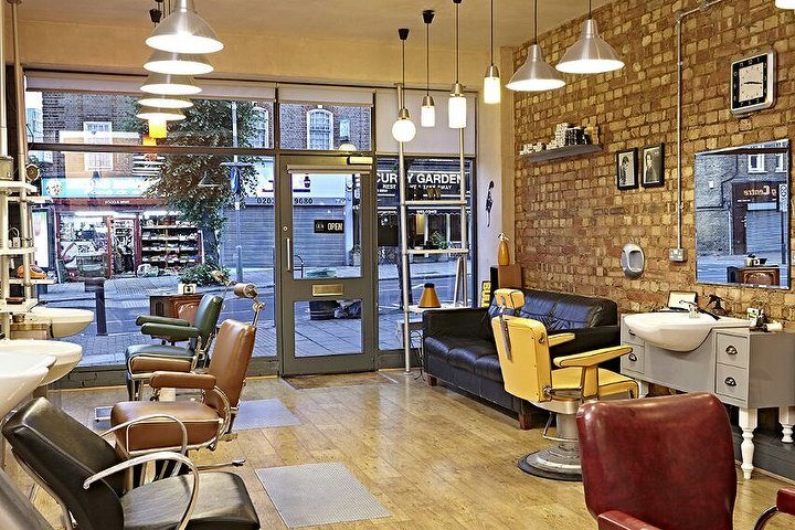 The barber 39 s chair london hair salon in palmers green for A salon palmers green