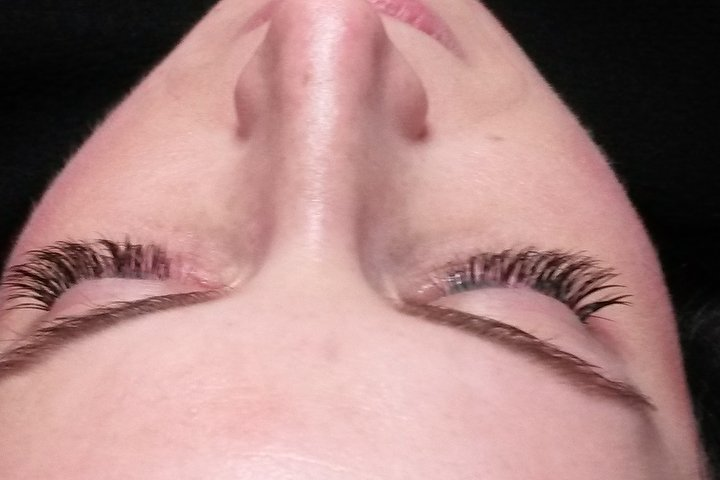Farrah Lash Threading Treatment Room Beauty In Horley Surrey