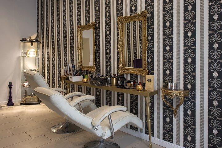 mran orientalische kosmetik kosmetikstudio in friedrichshain berlin treatwell. Black Bedroom Furniture Sets. Home Design Ideas