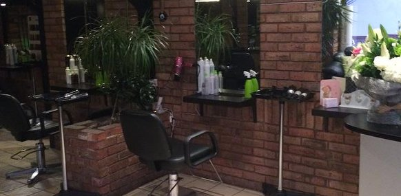 Sculptures unisex hair salon hair salon in palmers green for A salon palmers green