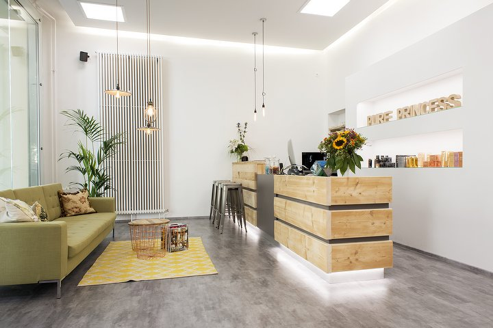 pure princess friseur in sch neberg berlin treatwell. Black Bedroom Furniture Sets. Home Design Ideas