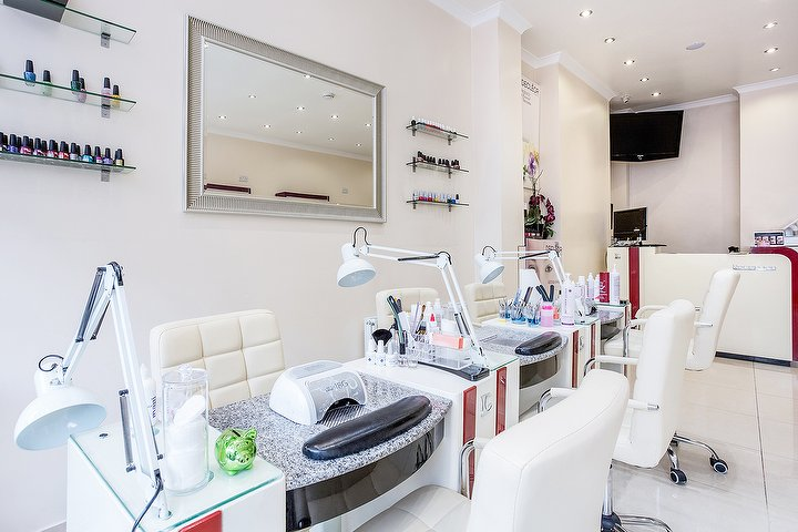 Gemm beauty clinic beauty salon in palmers green london for A salon palmers green